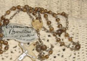 Vintage Irish Clothing and Jewelry