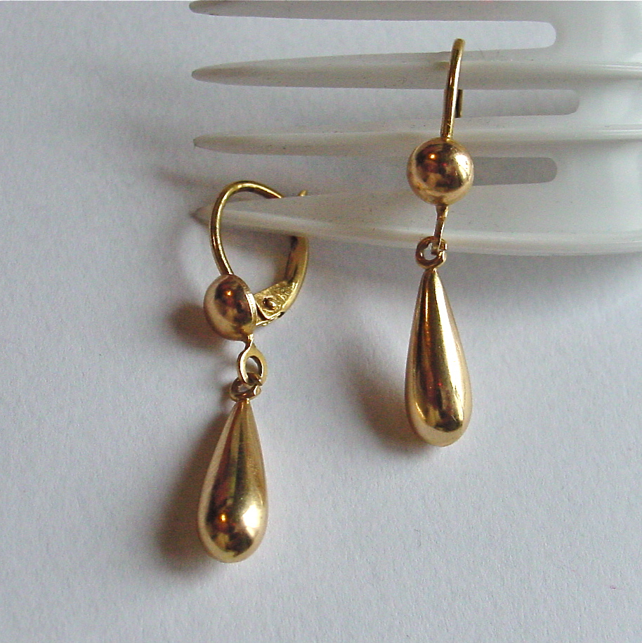 Earrings gold sleepers