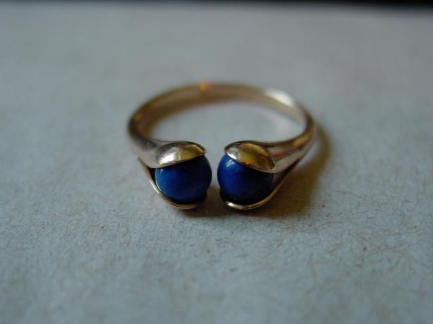 Elis Kauppi Kupitaan Kulta Lapis Lazuli Gold Ring