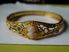 Victorian Revival Shell Cameo Bangle