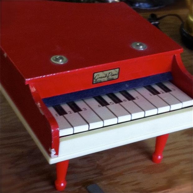 sas mart toy piano