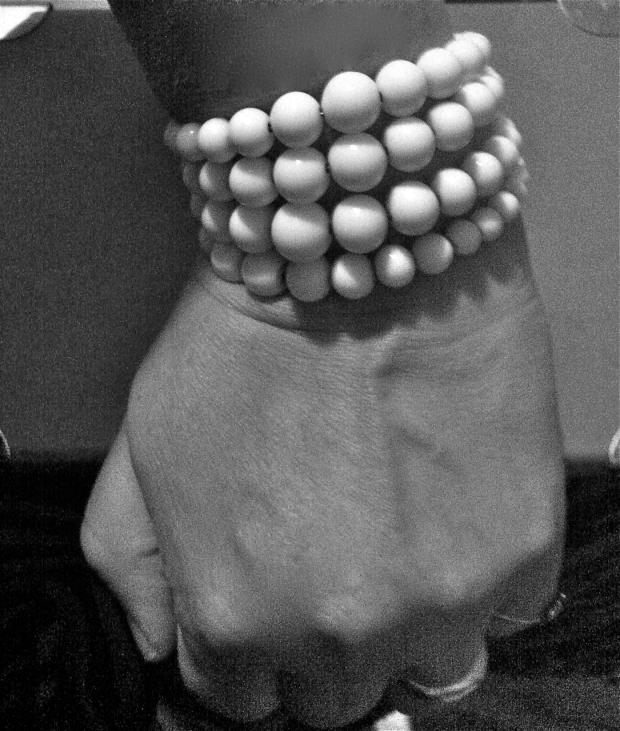 graduated bead bracelet