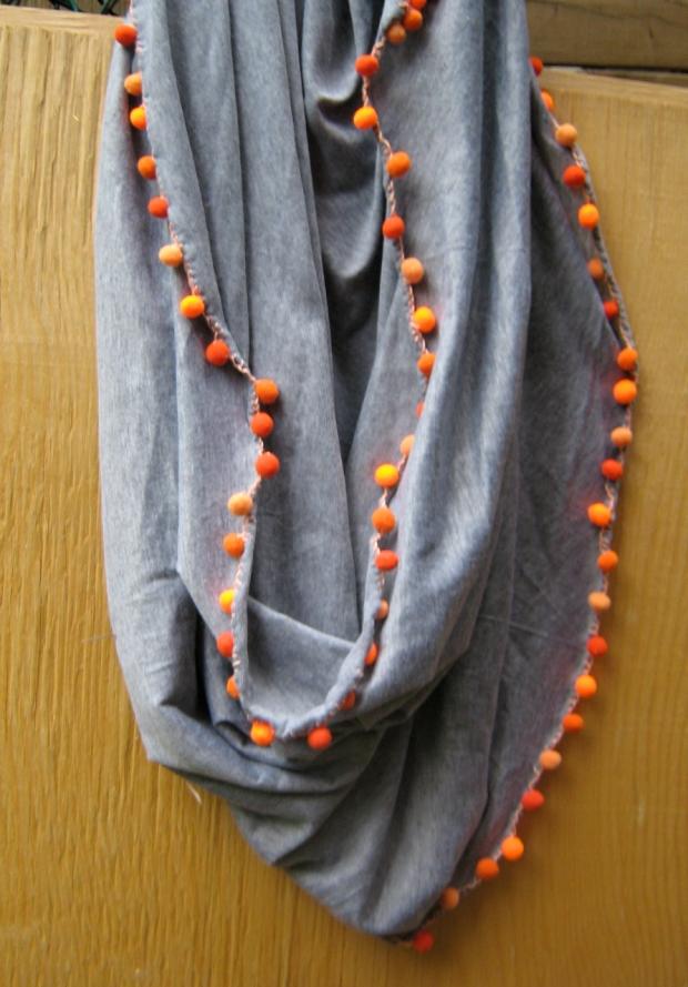 pompon infinity scarf