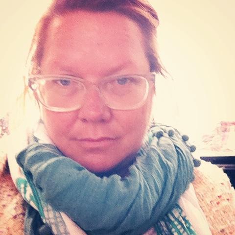 scarf selfie