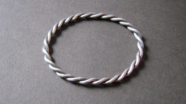 AVH Denmark silver twist bangle