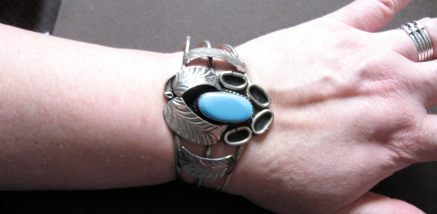 hecho en mexico faux turquoise feather cuff