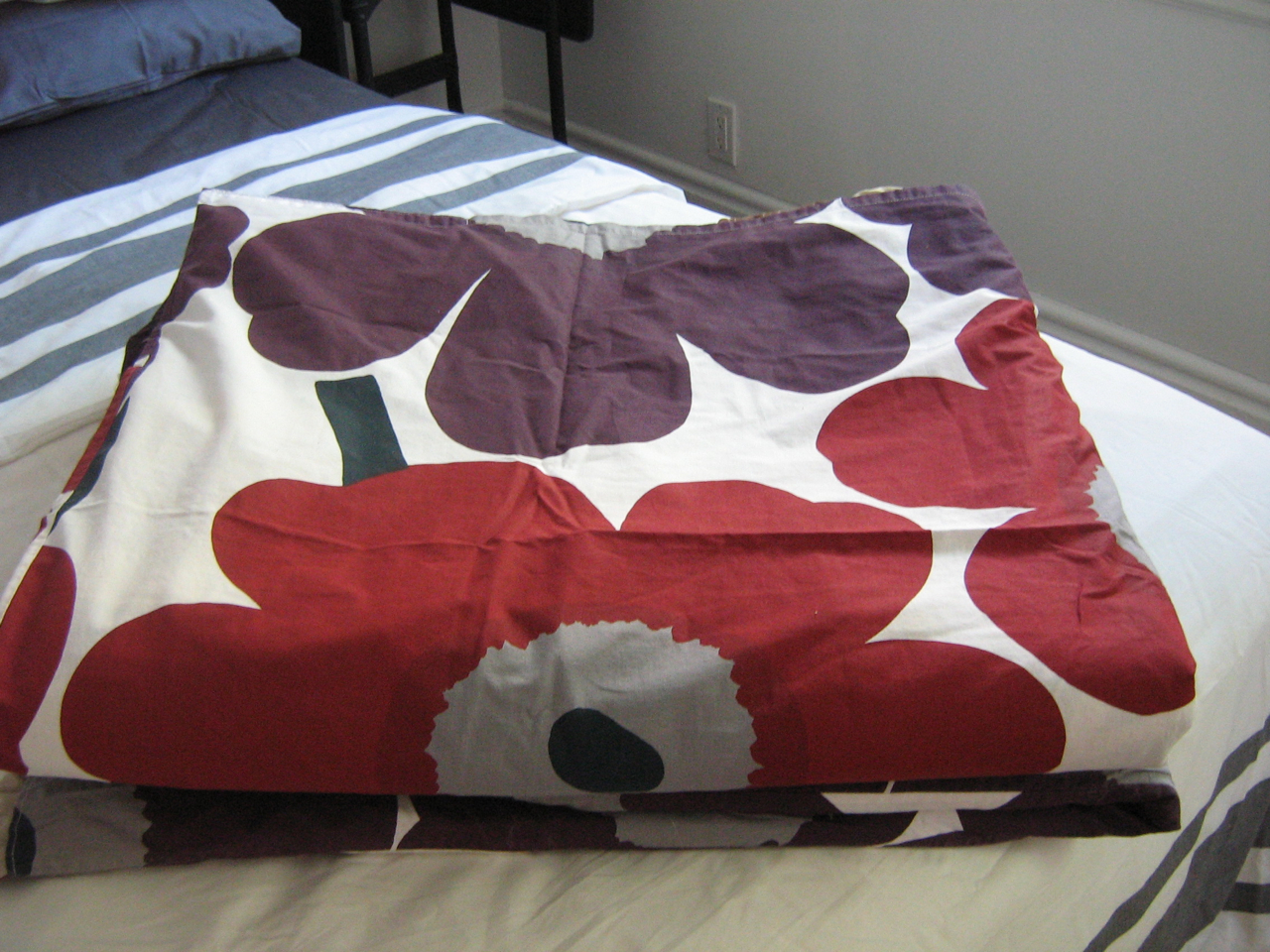 cover marimekko press kantinkoski riikka duvet