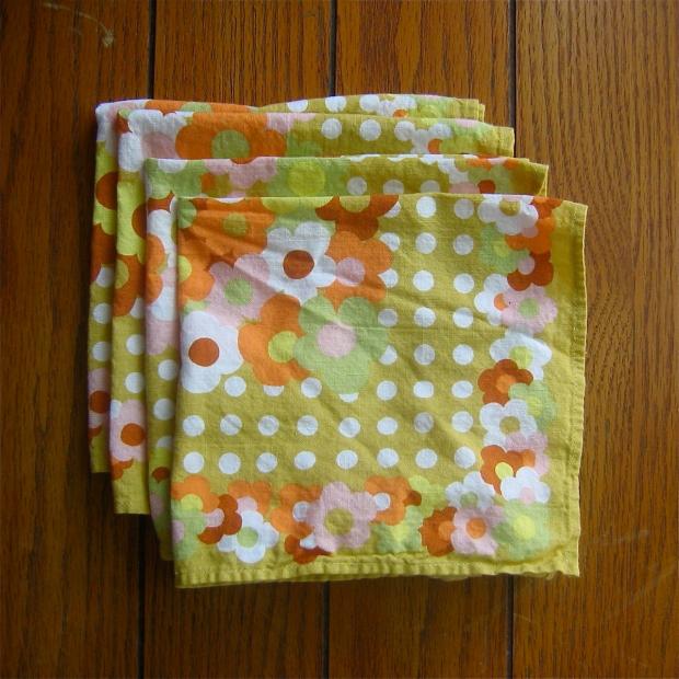 mod  daisy linen napkins