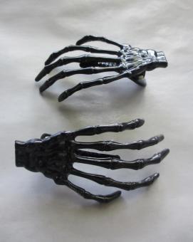 blog skeleton hand hair clip