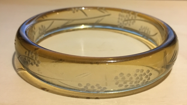 blog VV Haul carved bangle